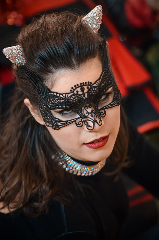 cosplay catwoman dc comics sirènes gotham combinaison velours serre taille cuir il était une fois made in france