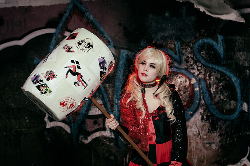 shooting photo harley quinn completement marteau spectacle divertissement animation
