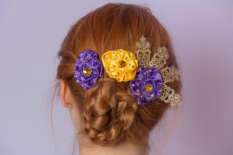 fleurs cheveux chignon femme satin jaune violet strass or made in france cherry frenchie