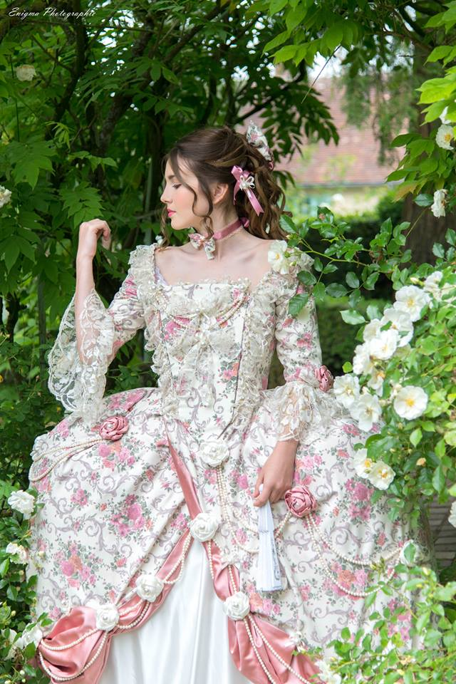 madame elisabeth romantique shooting photo portrait adolescente il était une fois made in france costume haute couture