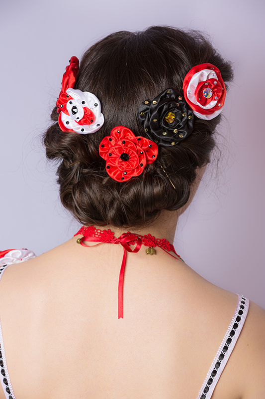 fleurs cheveux rouge noir blanc coiffure princesse strass made in france