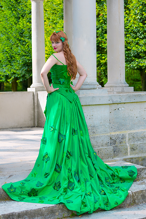 poison ivy cosplay animation costumée dc comics luxe traine feuilles lianes corset il était une fois made in france