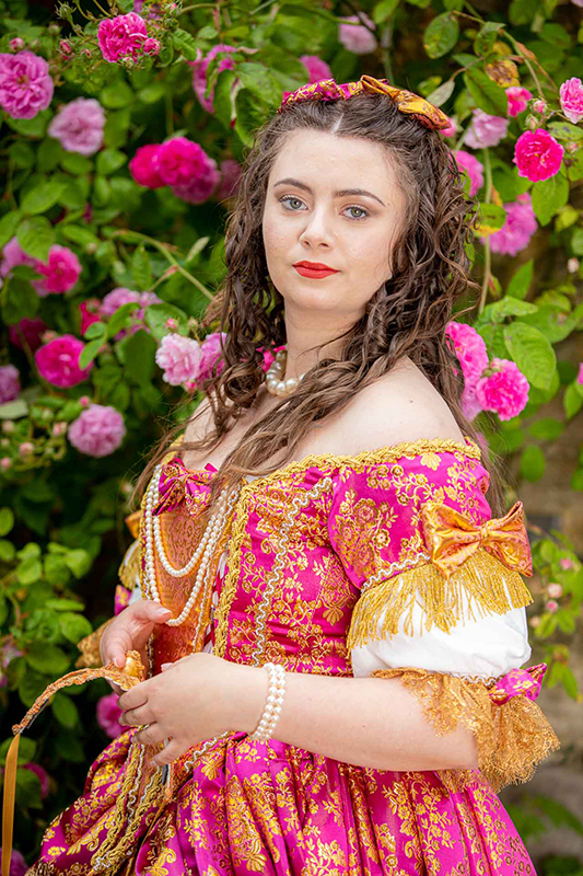 portrait shootin photo costume versailles xvii eme siecle robe baroque made in france animation costumee il etait une fois made in france